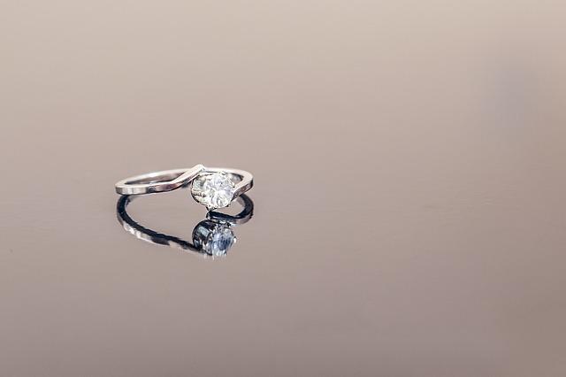 jewel-3990592_640